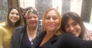 Kátia Rodrigues, diretora da Mulher da Fessp-Esp, participa da comemoração de Ações de Combate à Violência Contra a Mulher