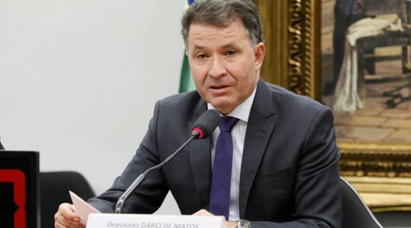 Pedido de vista adia discussão de parecer da reforma administrativa na CCJ