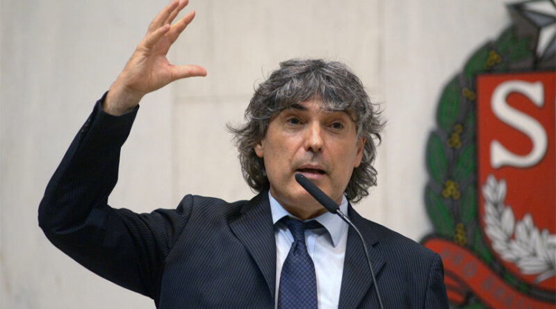 Frente repudia exclusão do deputado Giannazi da Comissão de Educação da Alesp